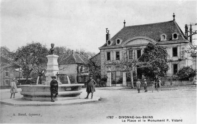 La stèle du Docteur Vidart devant la Villa beaulieu