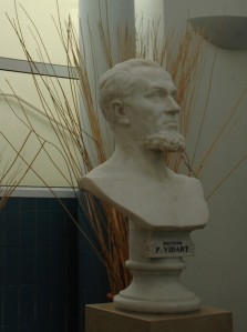 Paul Vidart - Buste en pierre