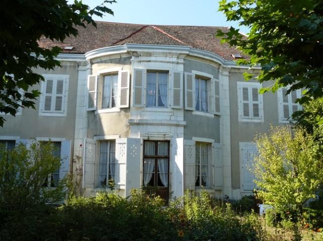 Le salon ovale de la villa Beaulieu, côté parc