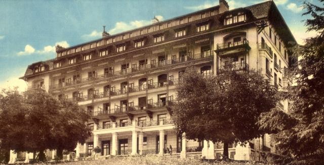 Le Chicago, ouvert en 1908, chaque chambre dotée d'un balcon pour la cure d'air.